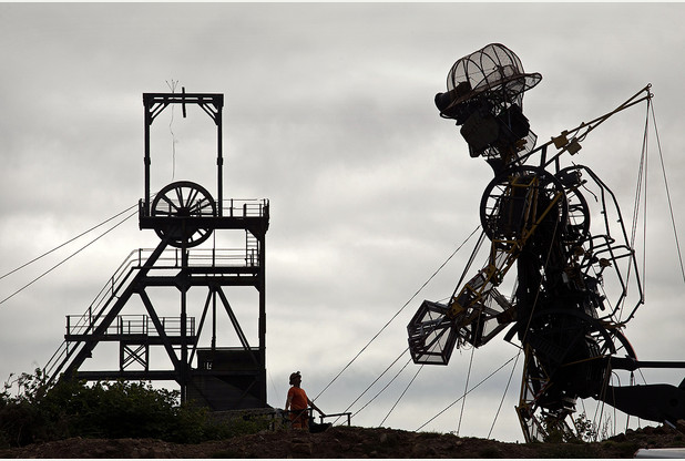 Man Engine and head gear at Geevor.